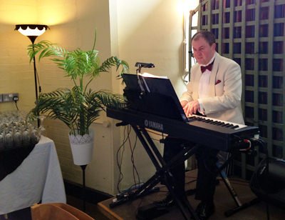 Wedding Pianist Mark Reeves at The Posh Club, Crawley, West Sussex